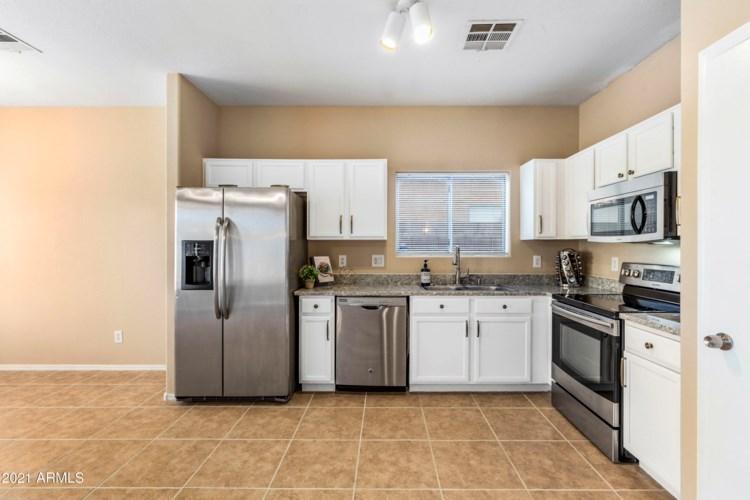 7210 W SHEILA Lane, Phoenix, AZ 85033