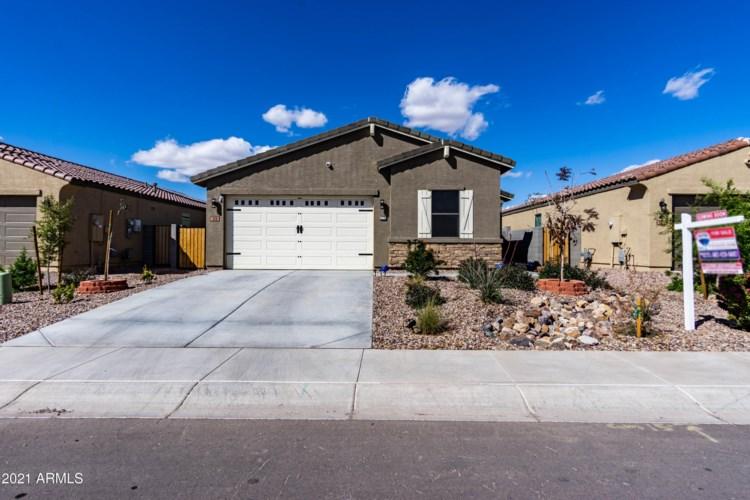 318 W SATINKA Drive, San Tan Valley, AZ 85140