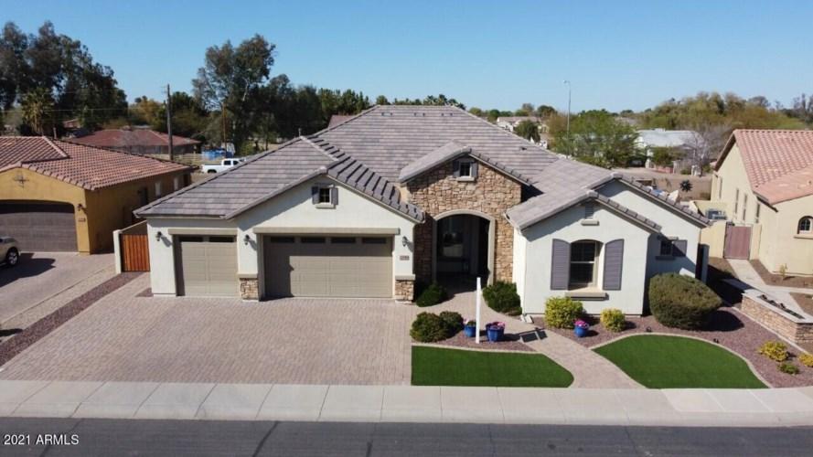 1546 E AQUARIUS Place, Chandler, AZ 85249
