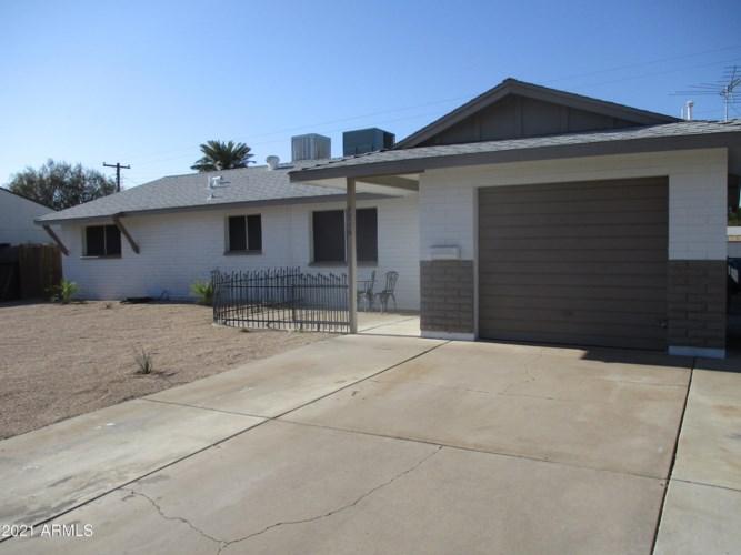 7716 W INDIANOLA Avenue, Phoenix, AZ 85033