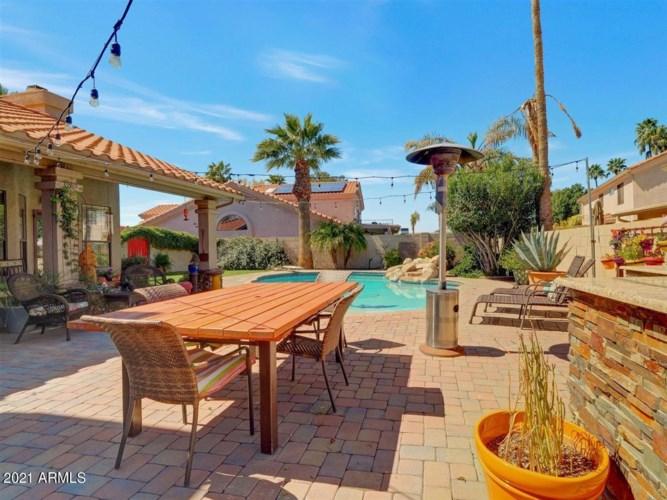 1150 E GRANDVIEW Road, Phoenix, AZ 85022