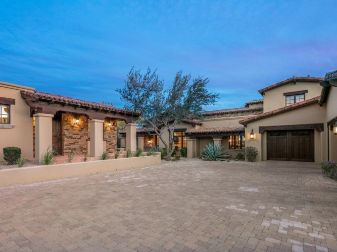 9820 E THOMPSON PEAK Parkway Unit 622, Scottsdale, AZ 85255