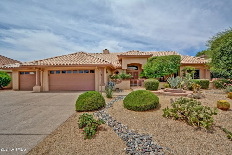 15837 W HURON Drive, Sun City West, AZ 85375