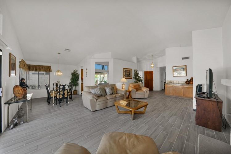 11010 W POINSETTIA Drive, Avondale, AZ 85392
