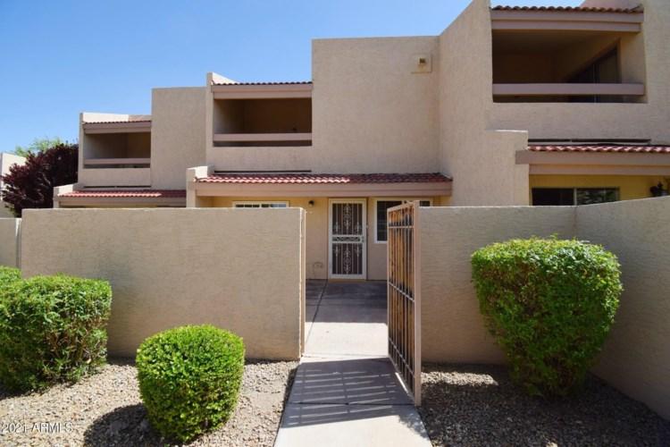 4762 W NEW WORLD Drive, Glendale, AZ 85302