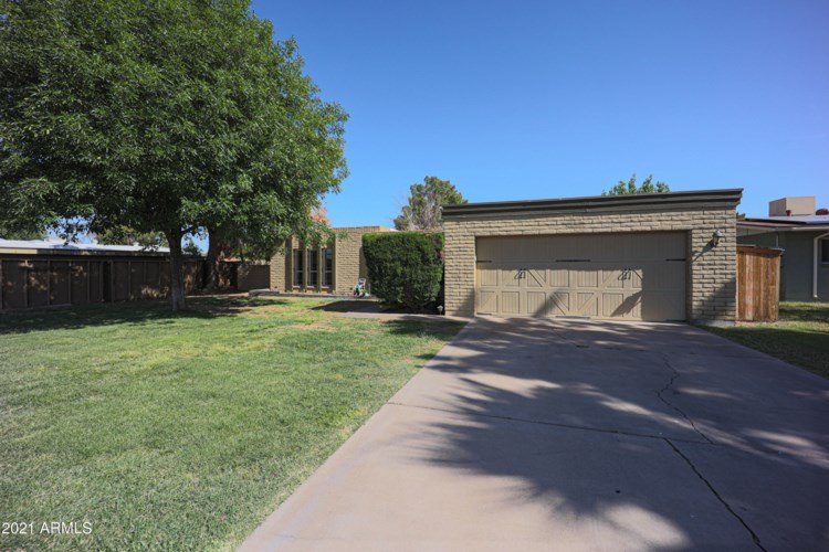3702 W MERCER Lane, Phoenix, AZ 85029