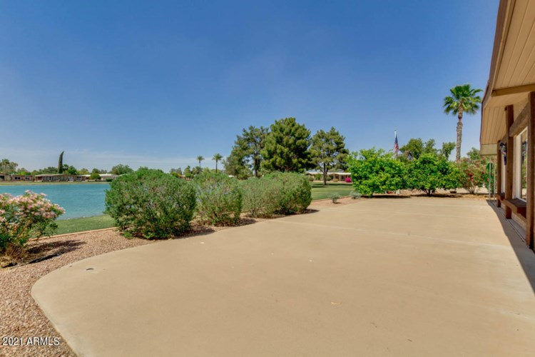 26428 S Lakeside Drive, Sun Lakes, AZ 85248