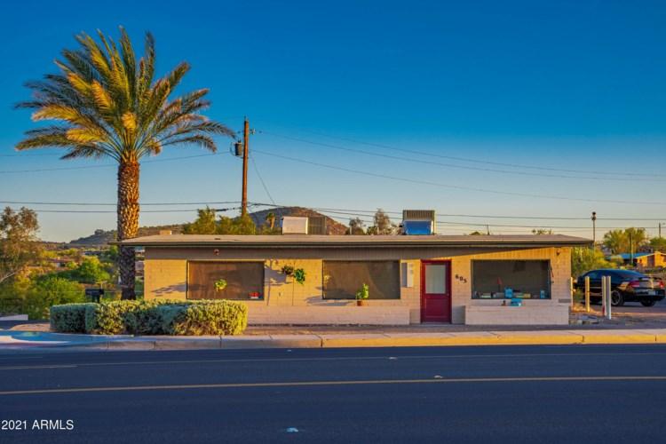 605 WHIPPLE Court, Wickenburg, AZ 85390