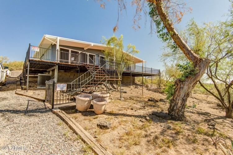 2417 W WHITE SPAR Road, New River, AZ 85087