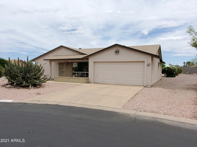 8049 E FLOSSMOOR Avenue, Mesa, AZ 85208