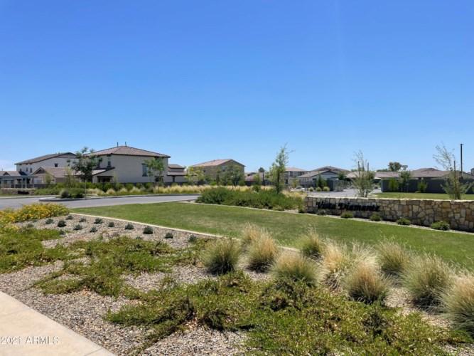 5735 N 107th Lane, Glendale, AZ 85307