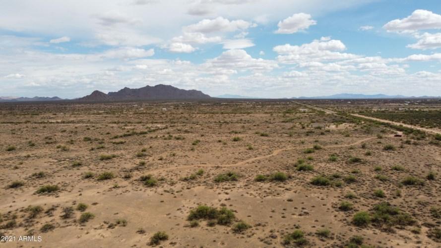 25 S Star Avenue, Eloy, AZ 85131
