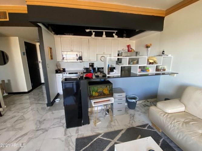 4750 N CENTRAL Avenue Unit D16, Phoenix, AZ 85012