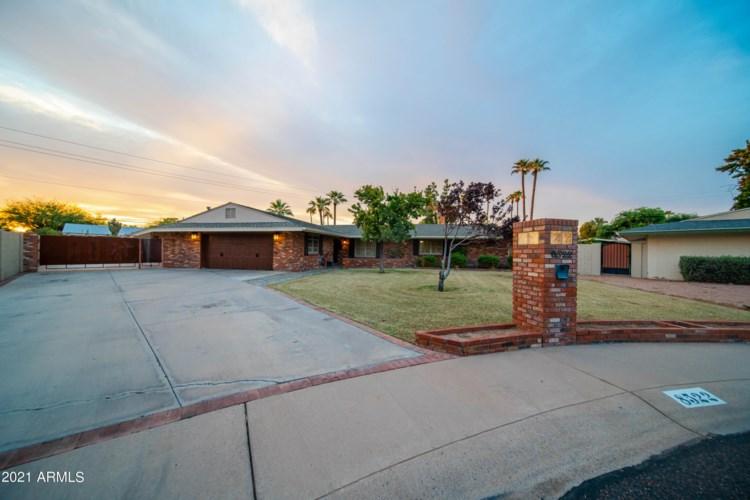 8522 N 15TH Drive, Phoenix, AZ 85021