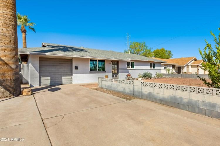 3030 S DROMEDARY Drive, Tempe, AZ 85282