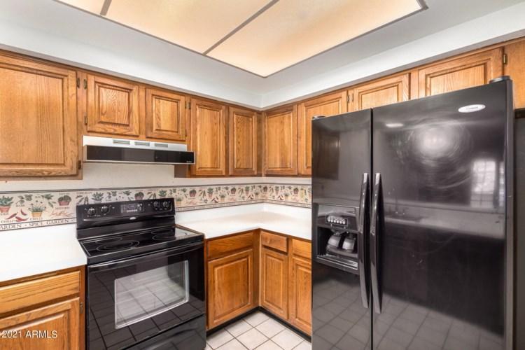 2121 W UNION HILLS Drive Unit 104, Phoenix, AZ 85027