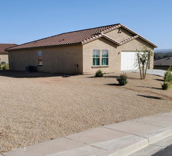 80 W Cottonwood Lane, Wickenburg, AZ 85390