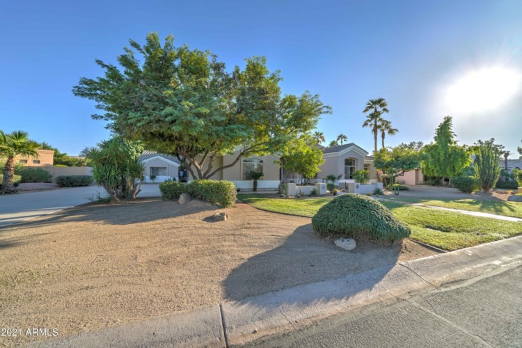 7365 W COUNTRY GABLES Drive, Peoria, AZ 85381