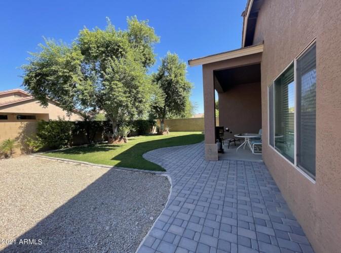 980 E CHELSEA Drive, San Tan Valley, AZ 85140