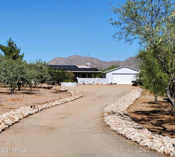23360 W STAGHORN Lane, Congress, AZ 85332
