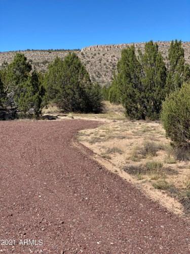 00 NE Shadow Mountain Parkway, Seligman, AZ 86337