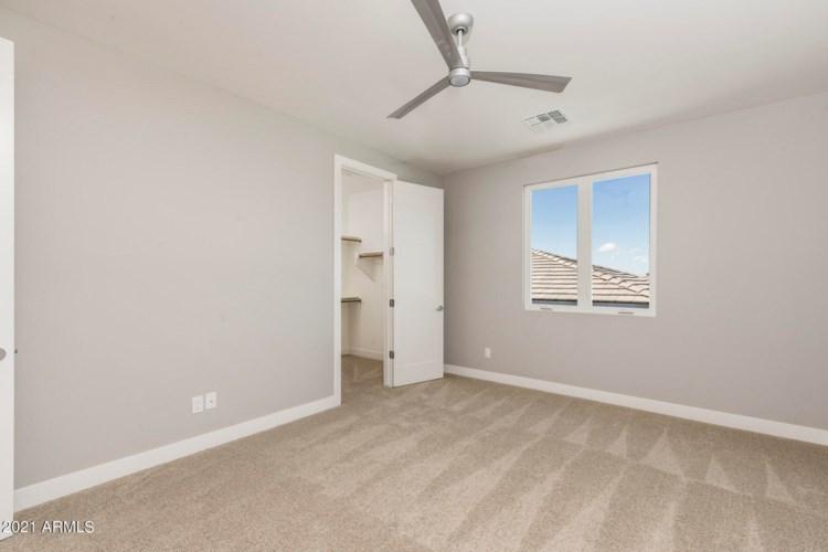 2898 S SANDSTONE Court, Gilbert, AZ 85295
