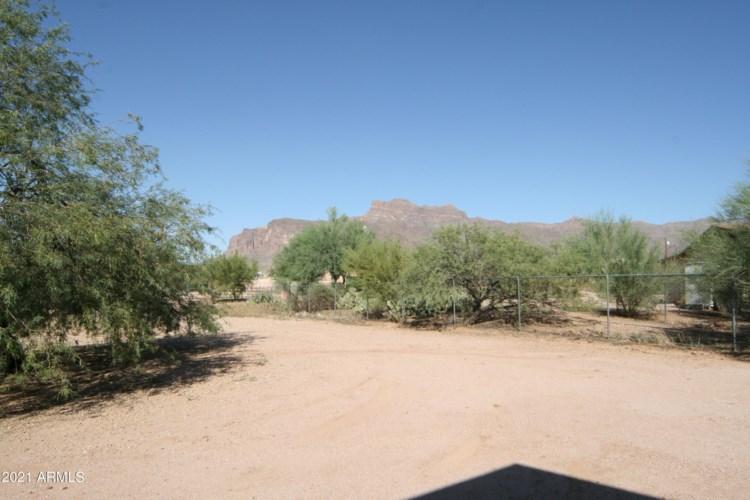 5675 E 16TH Avenue, Apache Junction, AZ 85119