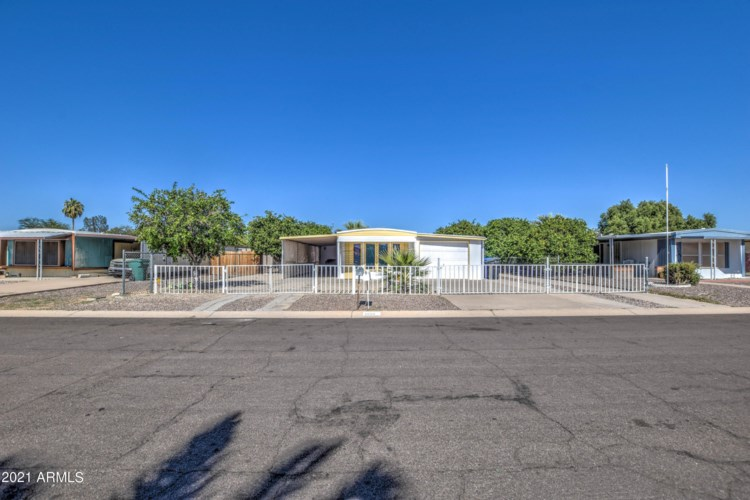 7656 E Hampton Avenue, Mesa, AZ 85209