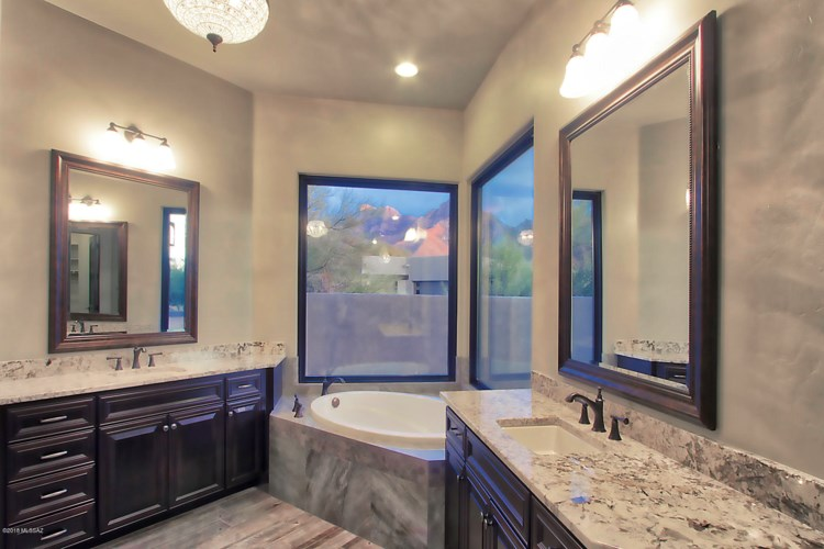 11876 N Vista Del Sol Place, Oro Valley, AZ 85742