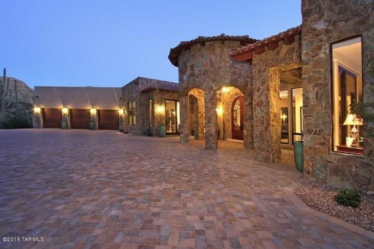 3980 W Cayton Mountain Drive, Marana, AZ 85658