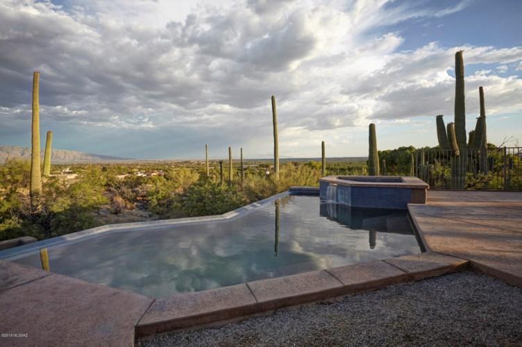 9645 E Sabino Estates Drive, Tucson, AZ 85749