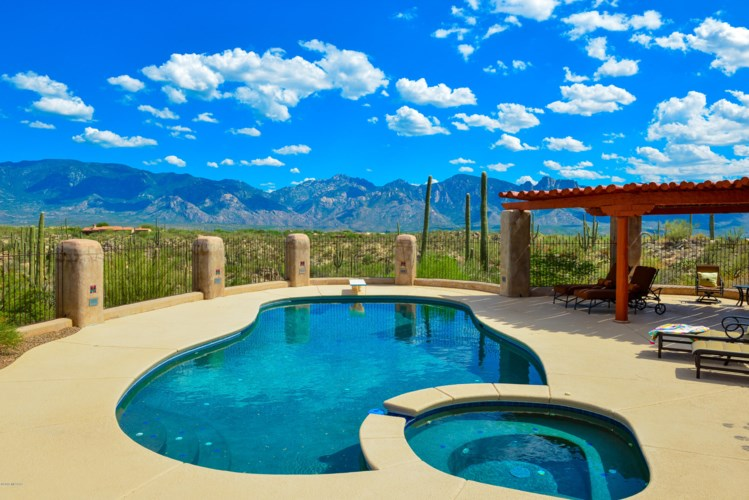 252 E Beekeeper Trail, Oro Valley, AZ 85755