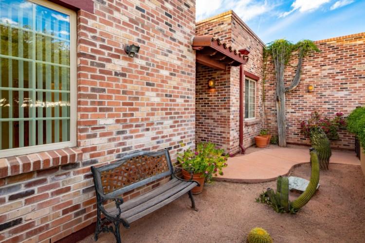 242 S Country Club Road, Tucson, AZ 85716