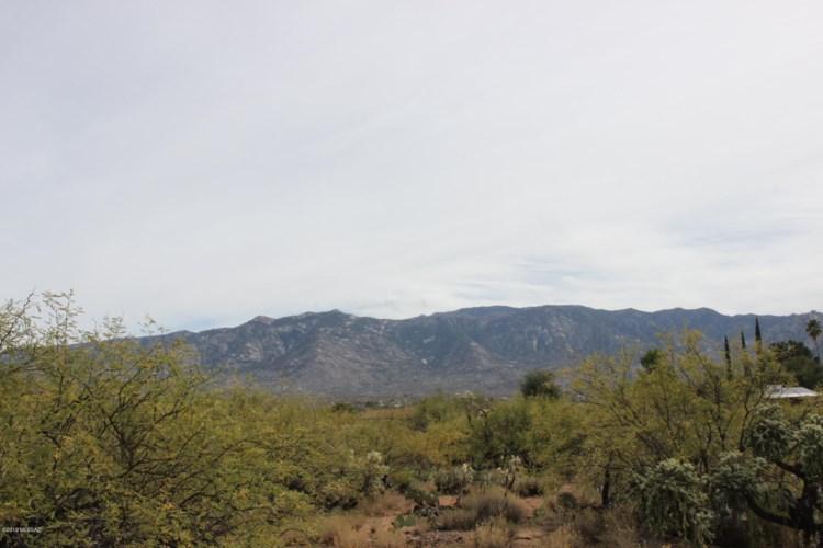 E Golder Ranch Drive, Catalina, AZ 85739