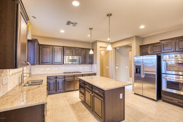 436 E Channel View Place, Oro Valley, AZ 85737