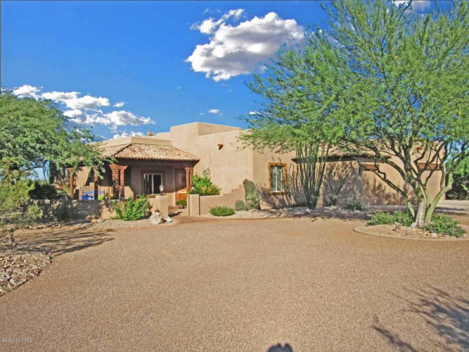 886 S Old Baldy Court, Green Valley, AZ 85614