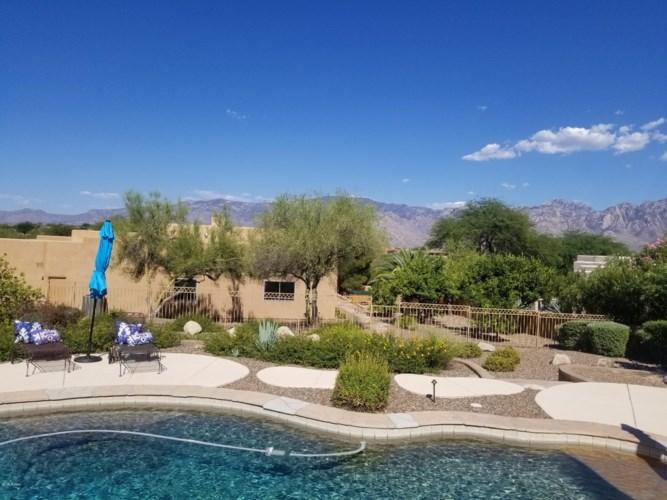 975 W Silver Spring Place, Oro Valley, AZ 85755