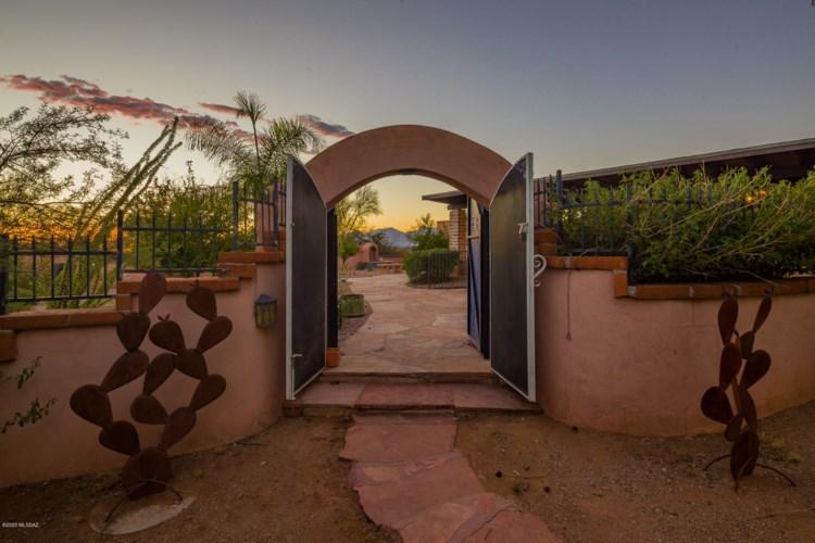 10925 E Escalante Road, Tucson, AZ 85730