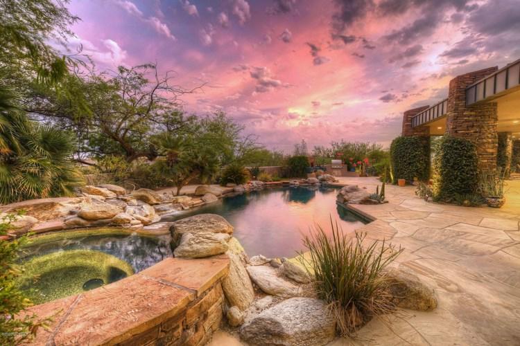2102 E Sentry Ridge Court, Tucson, AZ 85718