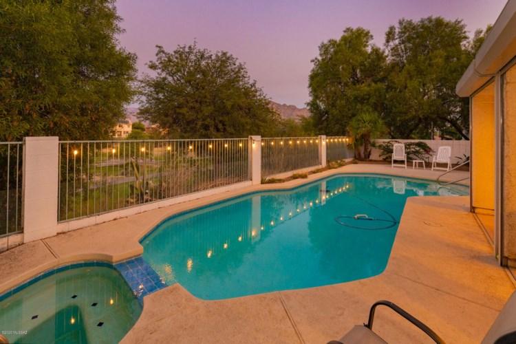 1626 W Canada Hills Drive, Oro Valley, AZ 85737