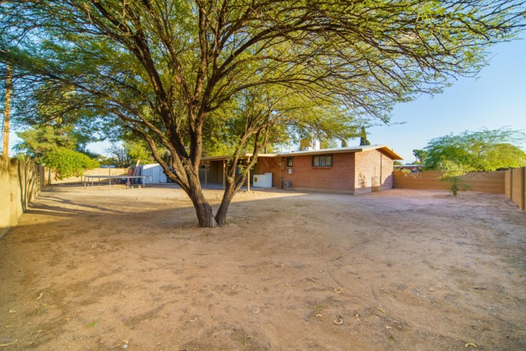 4603 E Calle Aurora, Tucson, AZ 85711
