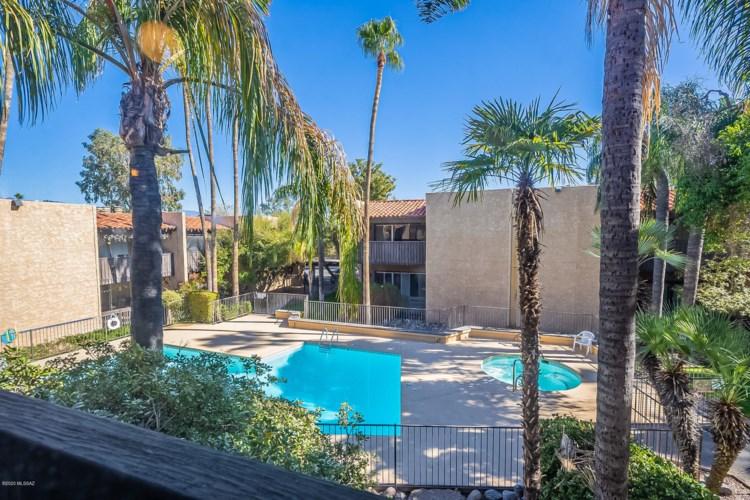 412 N Dodge Boulevard, Tucson, AZ 85716