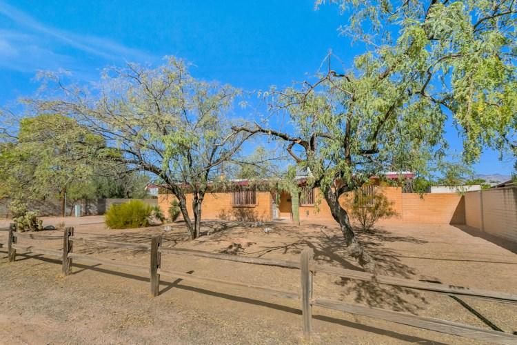 3025 E Winsett Street, Tucson, AZ 85716