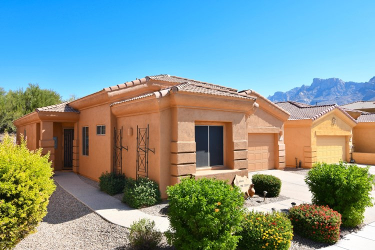 10688 N Hewitt Place, Oro Valley, AZ 85737