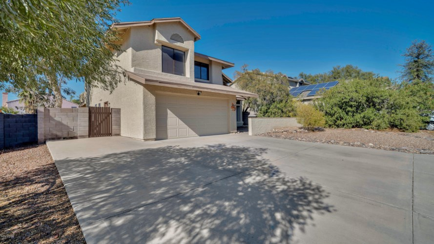 9009 N Tiger Eye Way, Tucson, AZ 85742