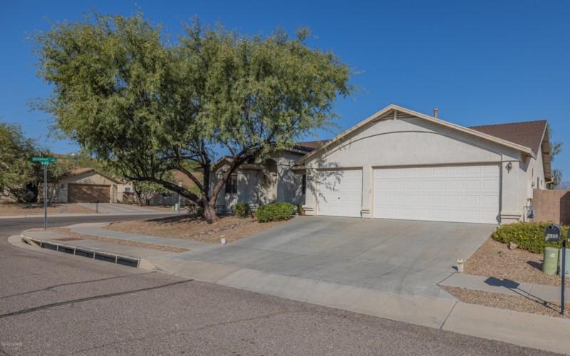 7969 E Ragweed Drive, Tucson, AZ 85710