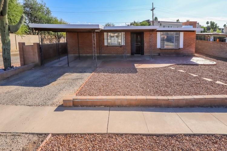 8448 E Beverly Street, Tucson, AZ 85710