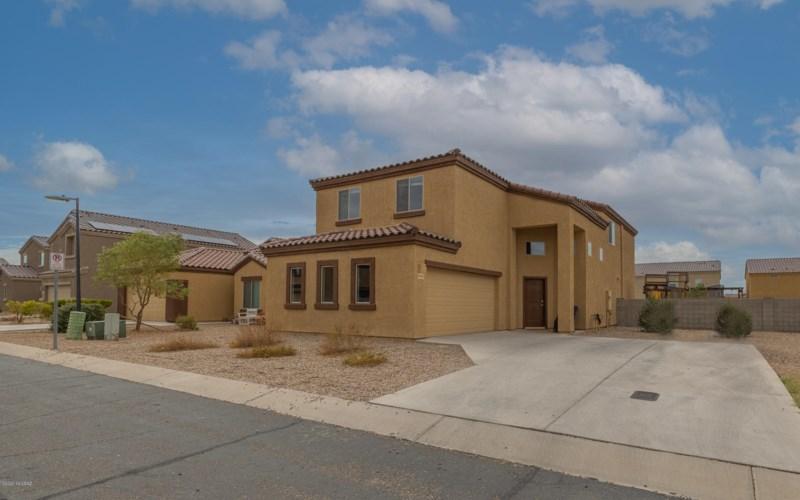 6482 E Brushback Loop, Tucson, AZ 85756