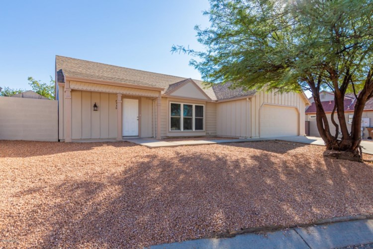 8530 N Hummer Drive, Tucson, AZ 85742