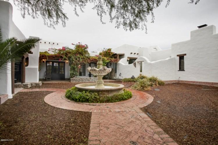 365 N Indian House Road, Tucson, AZ 85711